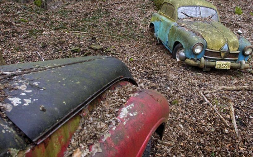 شاهد مقبرة للسيارات الكلاسيكية النادرة في ألمانيا 404036646