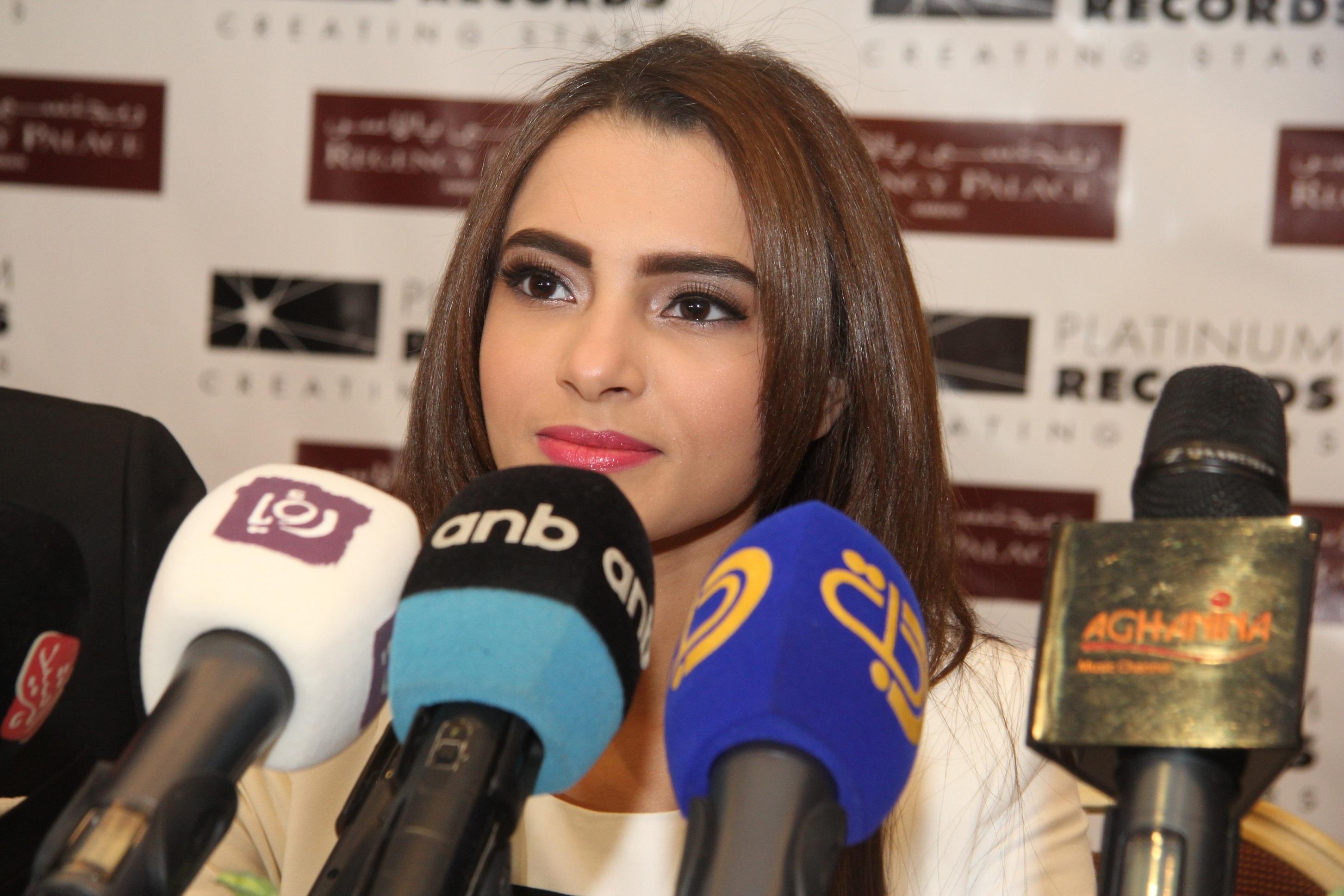 محبوبة العرب كارمن سليمان تطلق البوم اخباري من عمان