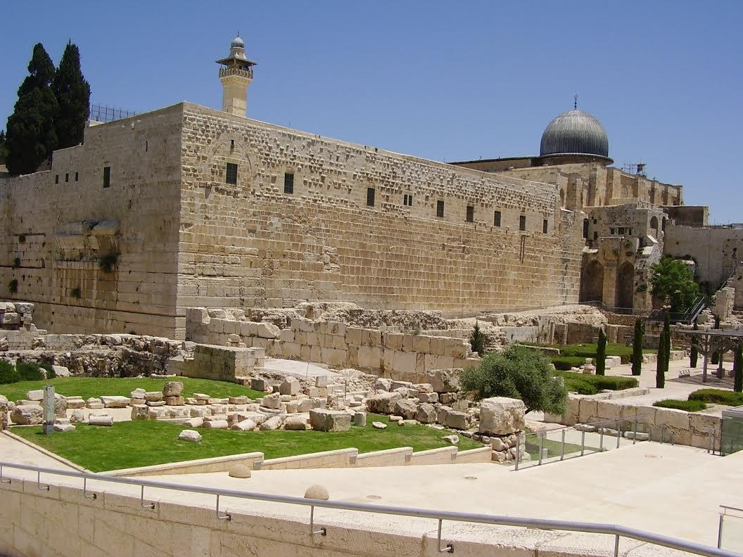 بن دوف: يجب وقف الحفريات في القدس والتخلي عن احلام بناء الهيكل الثالث