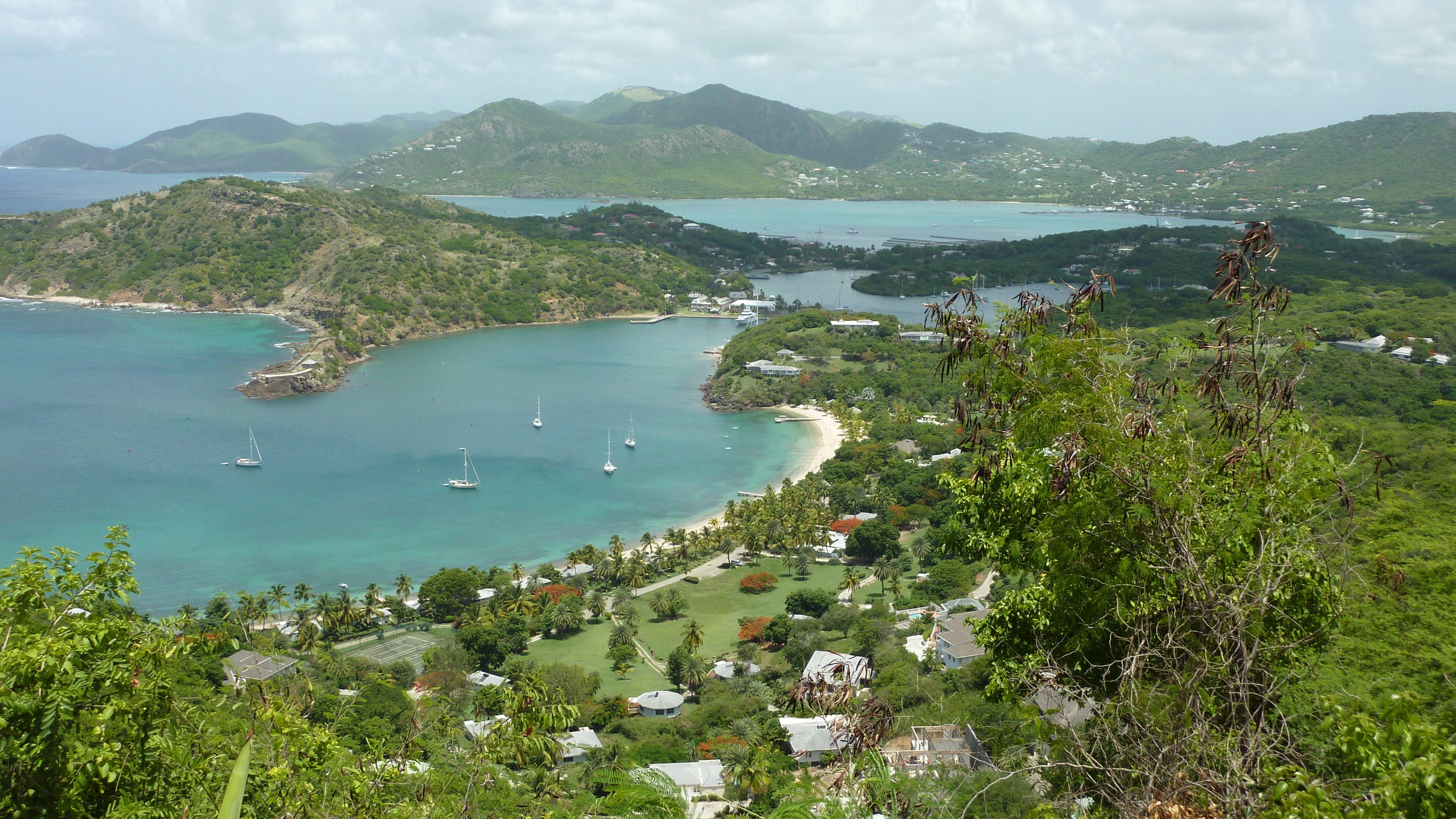 """الجمال الكاريبي وكنوز التاريخ في """"أنتيغا"""" 591127294"""