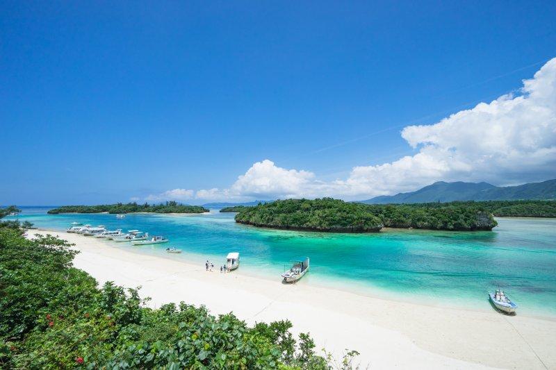 ماذا تعرفون عن جمال اليابان؟ هل سمعتم عن جزيرة أوكيناوا؟ 465918431