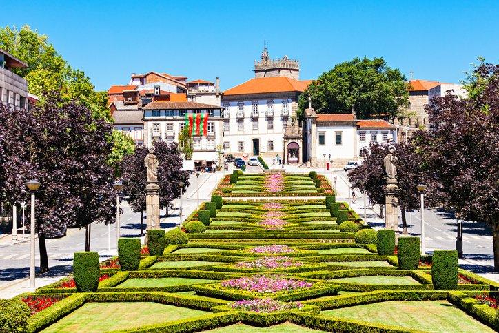تعرفوا على غيماريش عاصمة البرتغال الثقافية 1088829607