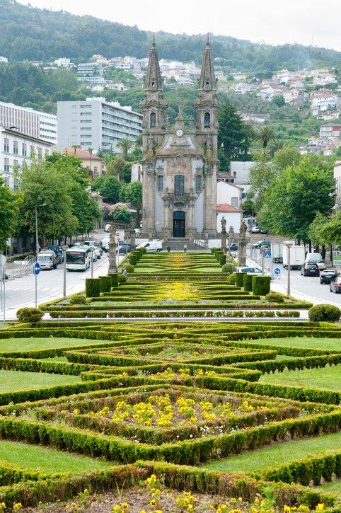 تعرفوا على غيماريش عاصمة البرتغال الثقافية 1517951450