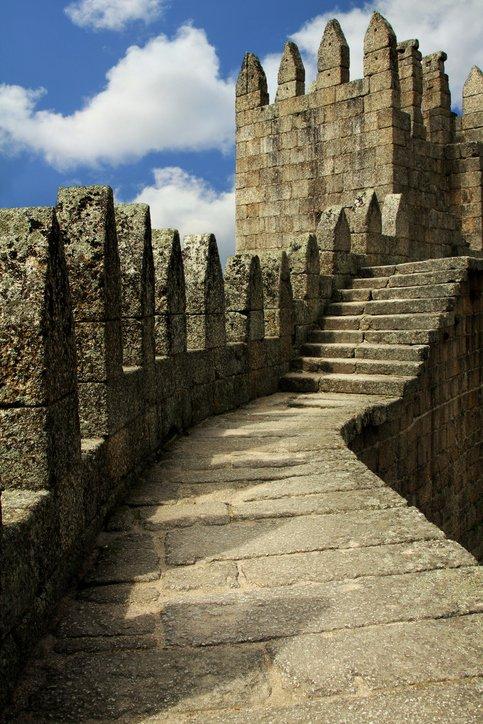 تعرفوا على غيماريش عاصمة البرتغال الثقافية 1818455317