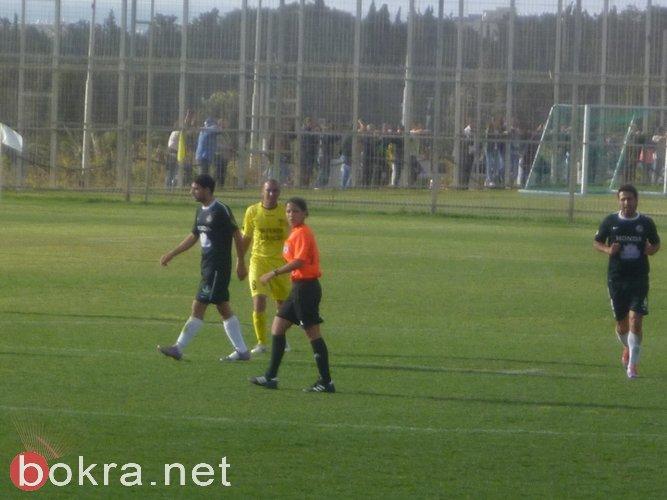 لأول مرة: طاقم تحكيم عربي نسائي في مباراة كرة قدم!!