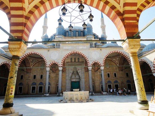 مساجد في آسيا تحف معمارية عصرية 1597380805