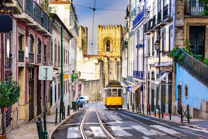 زيارة إلى العاصمة البرتغالية لشبونة 1952783837