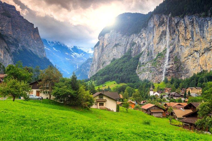 انترلاكن... من أجمل القرى السويسريه 1456844181