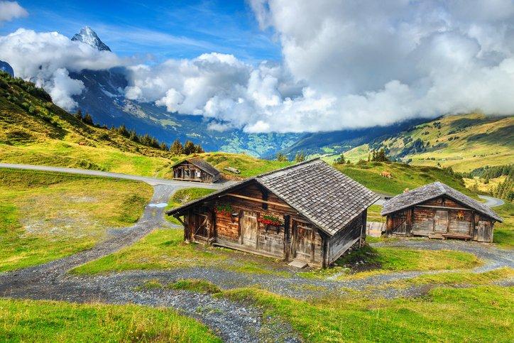 انترلاكن... من أجمل القرى السويسريه 1747581430