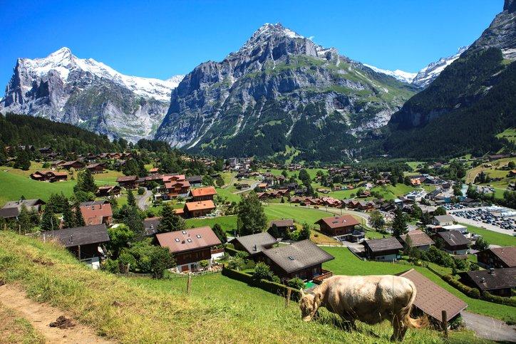 انترلاكن... من أجمل القرى السويسريه 28346892
