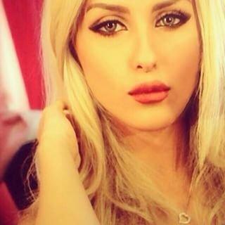 الظهور الأول لعارضة الأزياء السعودية خوله العنزي