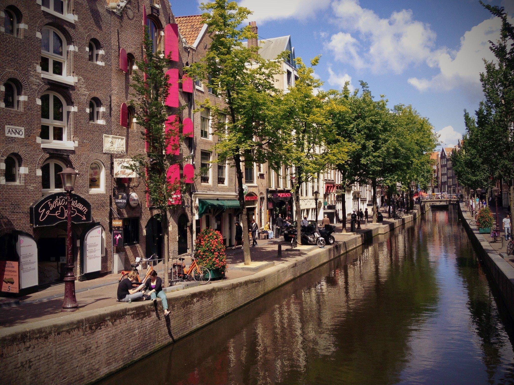 زيارة إلى مدينة أمستردام اكثر الوجهات السياحية الشعبية 1995168024