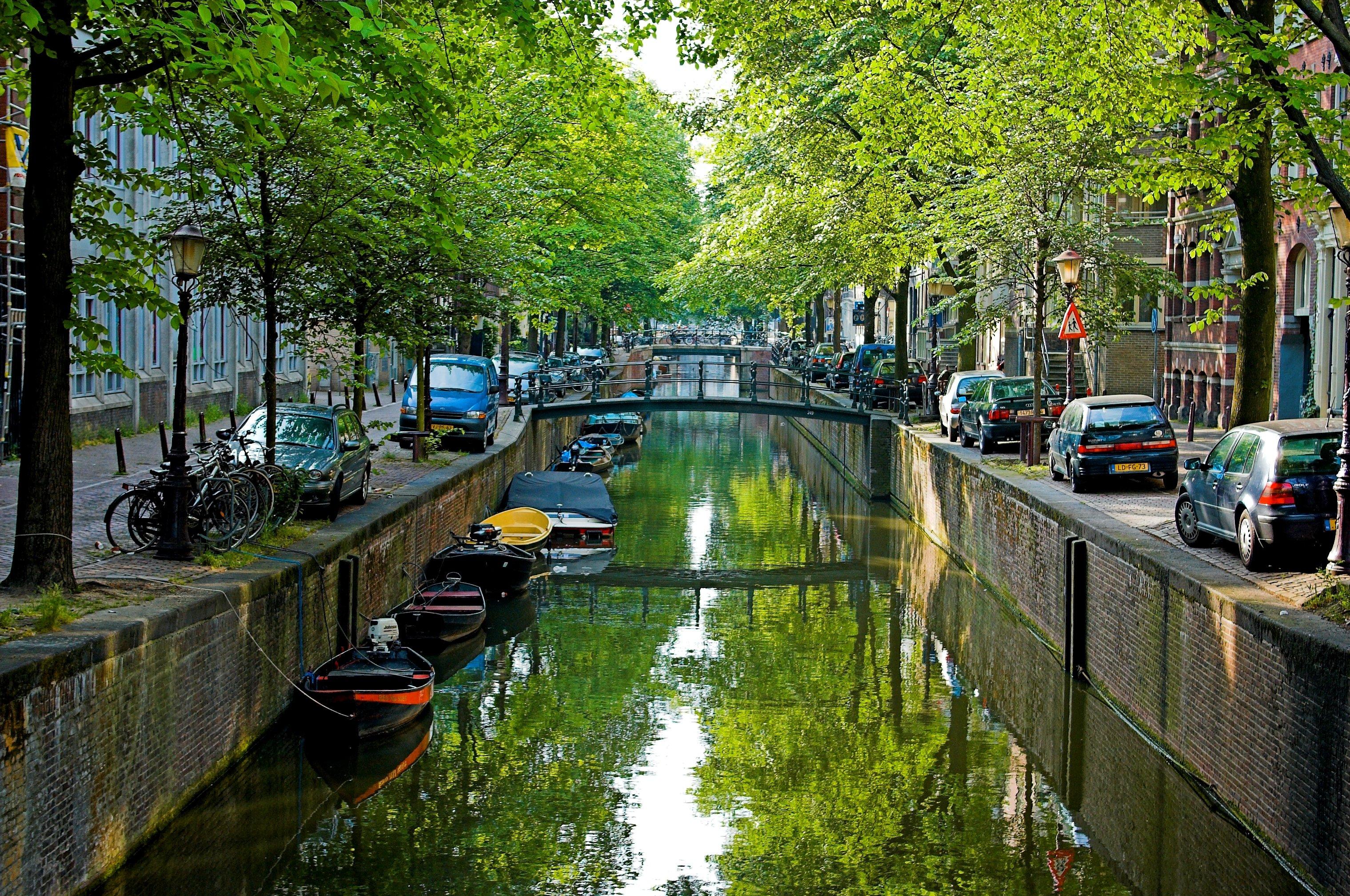 زيارة إلى مدينة أمستردام اكثر الوجهات السياحية الشعبية 384399392