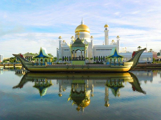 هيا لنسافر إلى سلطنة بروناي الإسلامية 240983689