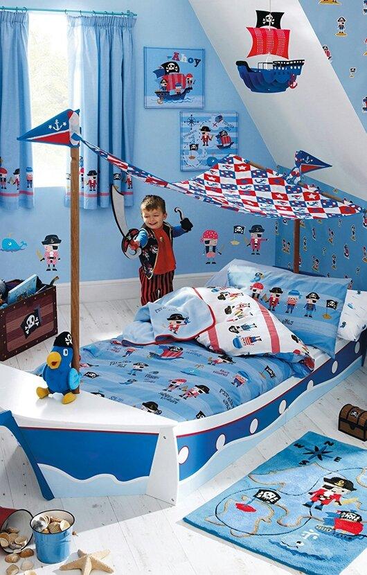 15 تصميم مميز لسرير على هيئة مركبة نقل